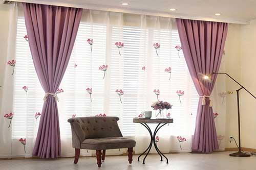Rèm vải hai lớp kết hợp voan thêu hoa