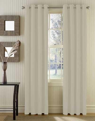 Rèm cửa màu trắng phù hợp với những người mệnh kim.