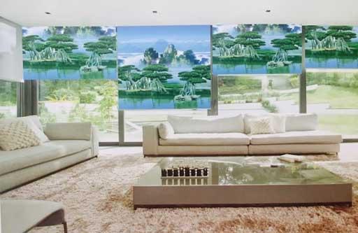 Rèm cửa tranh giá rẻ phù hợp cho nhiều gia đình Việt.