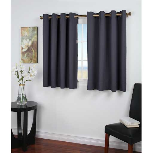 Rèm cửa màu đen cho cửa sổ