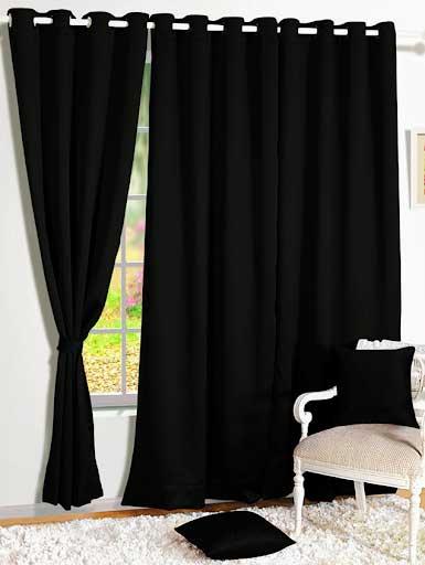 Rèm cửa màu đen phòng khách