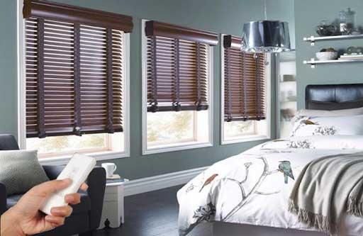 Sử dụng rèm cửa gỗ tự động là lựa chọn thông minh