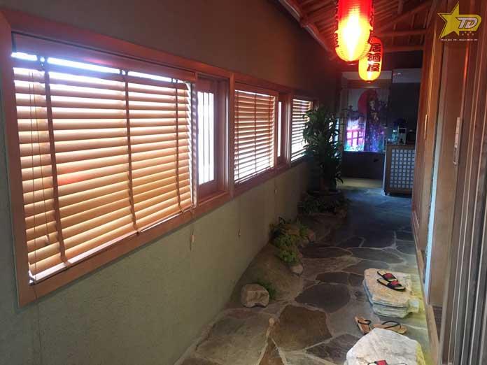 mẫu rèm gỗ sử dụng trong nhà hàng hatoyama