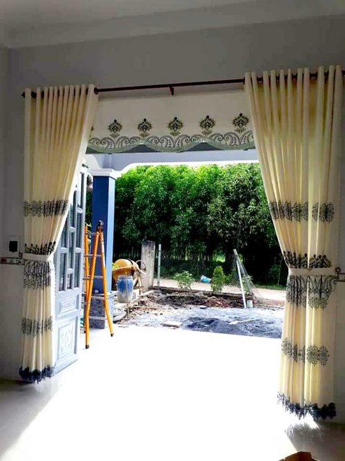 Rèm cửa chính điều chỉnh ánh sáng linh động
