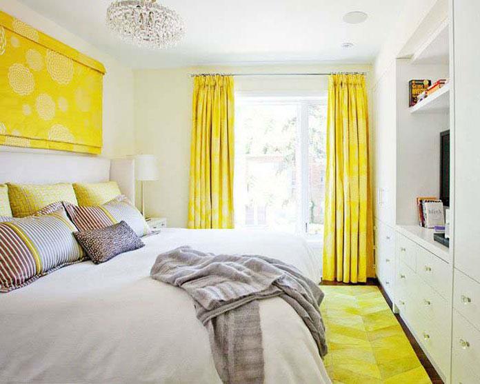 Rèm cửa trang trí màu vàng cho không gian phòng ngủ