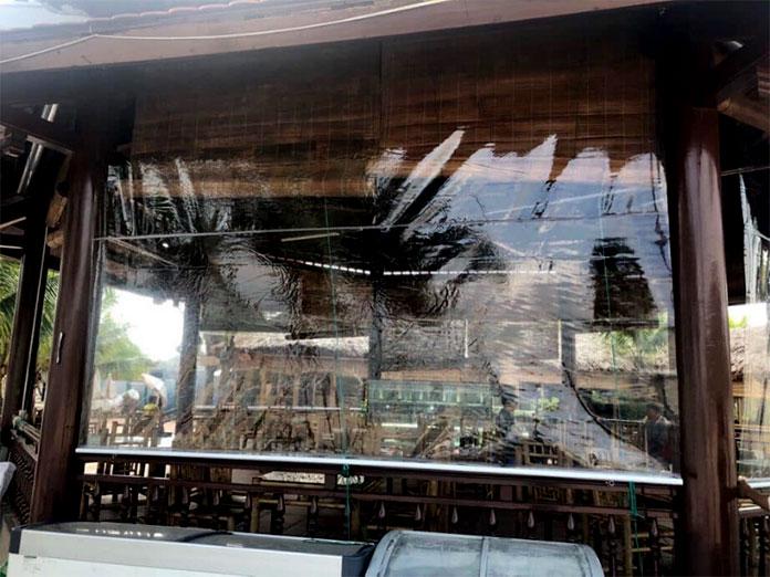 Rèm cuốn PVC cho khôn gian nhà hàng ngoài trời