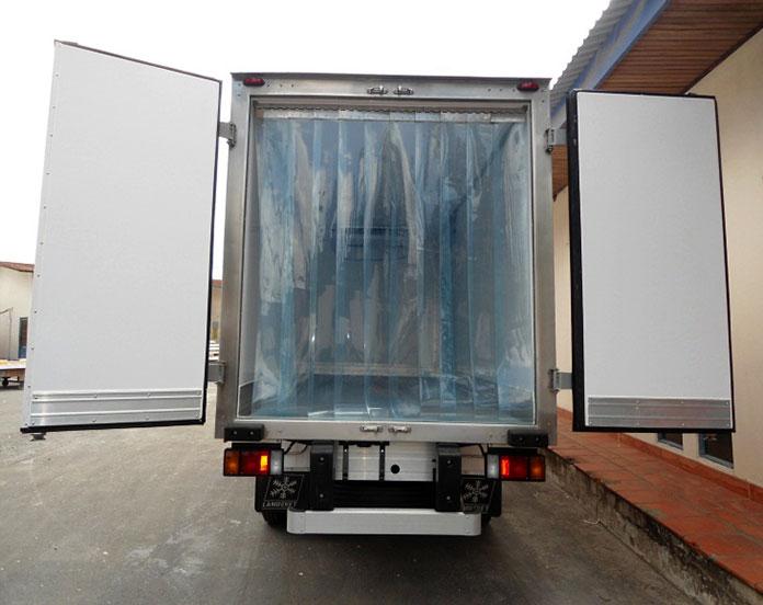 Rèm PVC ngăn lạnh cho xe tải chở hàng