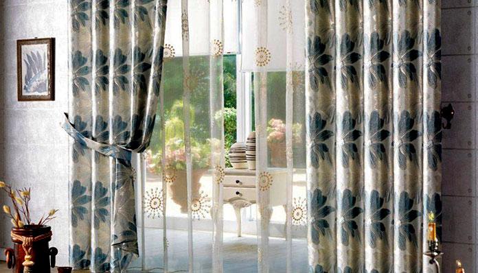 Rèm vải voan kết hợp vải lụa cho không gian phòng ngủ