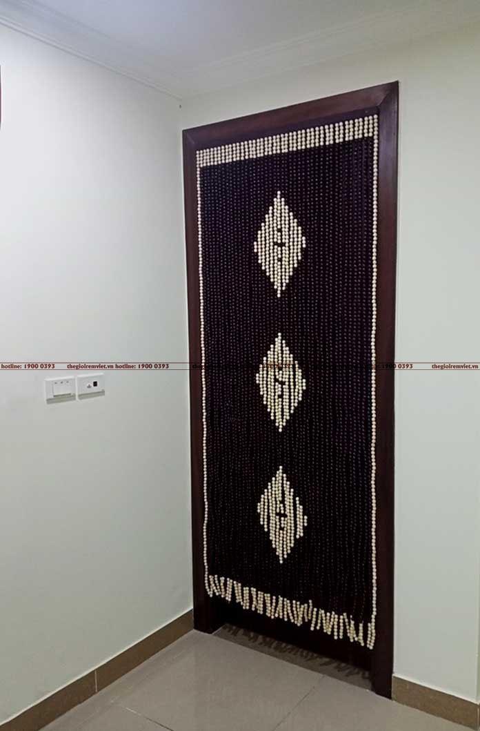 Ngăn không gian phong bằng rèm hạt gỗ