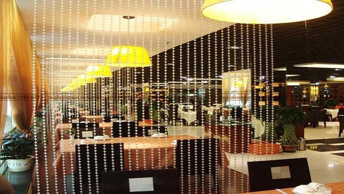 Rèm pha lê trang trí không gian nhà hàng sang trọng