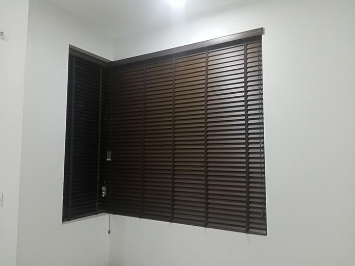 mành gỗ cửa sổ