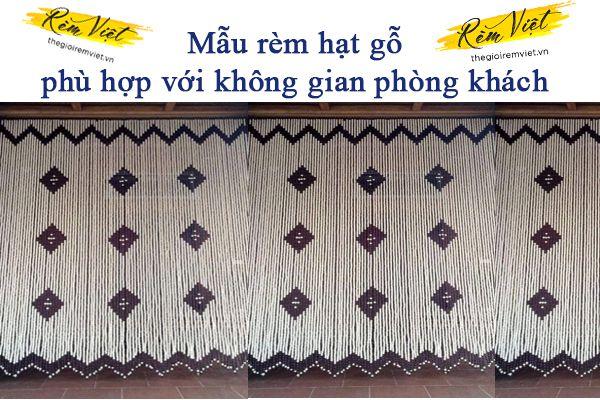 Mẫu rèm hạt gỗ phù hợp không gian phòng khách