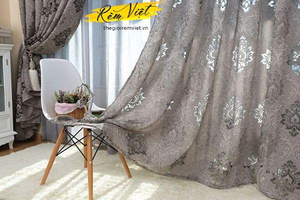 Đẹp nhẹ nhàng với mẫu rèm thiết kế họa tiết độc đáo