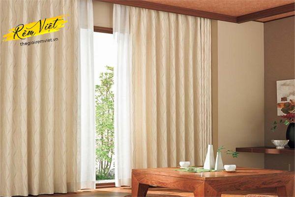 Chọn rèm vải một lớp cản nắng cho phòng khách chung cư