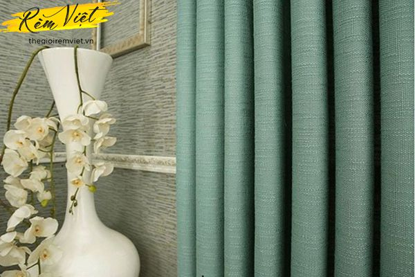 Mộc mạc, giản dị với sắc xanh ngọc bích từ rèm vải thô