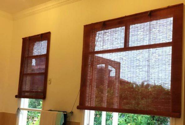 Tại sao cần phải lắp mành trúc treo cửa sổ che nắng
