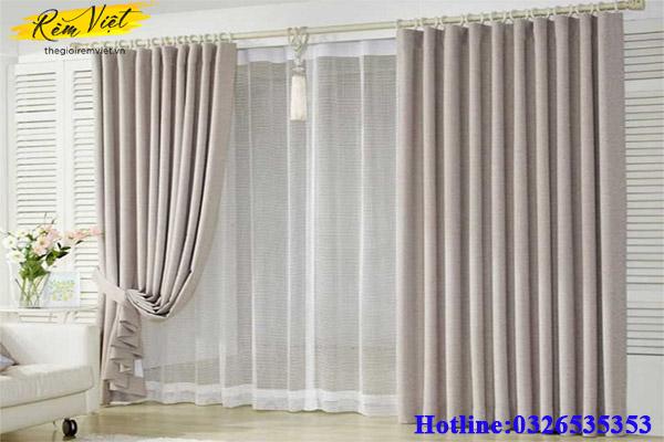 Lựa chọn họa tiết, chất liệu cho rèm cửa phòng khách