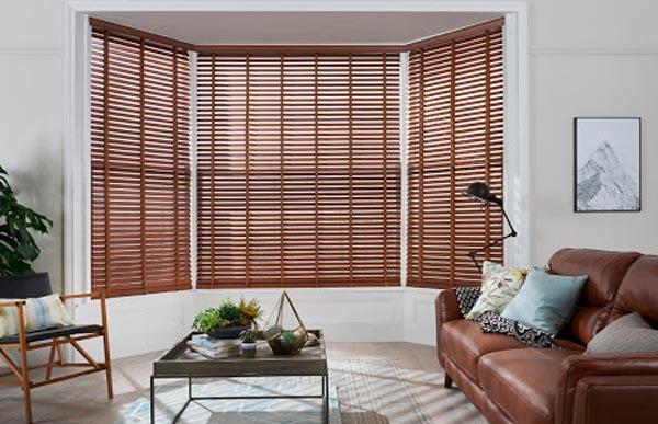 Mẫu rèm sáo gỗ cho phòng khách