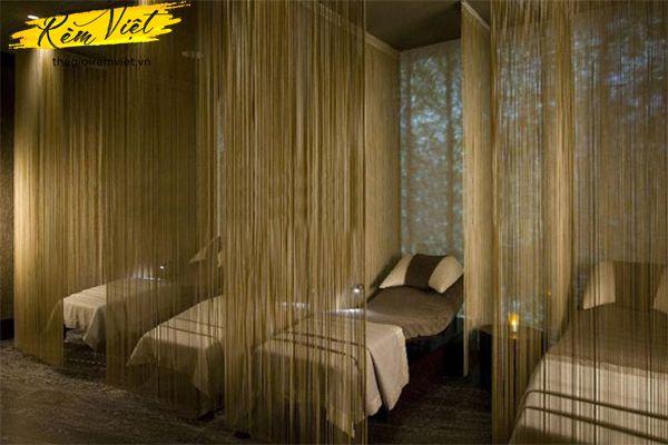 Rèm sợi tinh tế cho không gian spa lãng mạn
