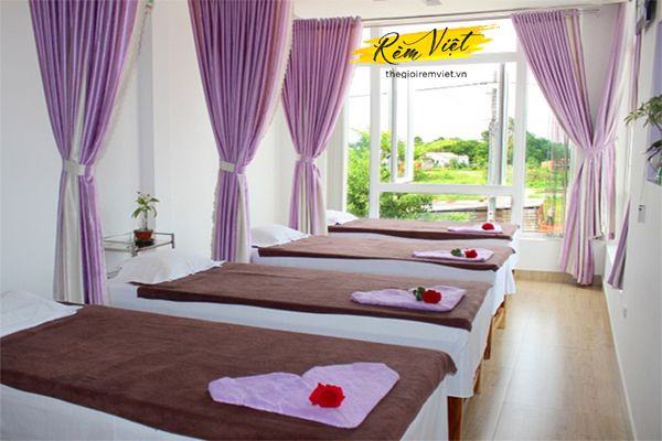 Rèm vải lụa là dòng rèm spa đem lại sự thoải mái cho khách hàng