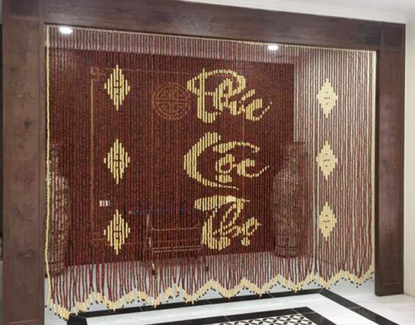 Rèm hạt gỗ xu hướng mới cho phòng khách