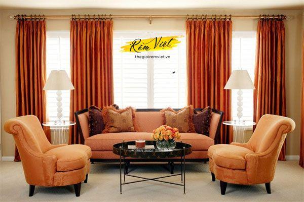 Bộ rèm màu đỏ ánh vàng mang phong cách cổ điển nền nã đầy khí chất